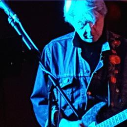 Neil Roberts: Guitar and Vocals
